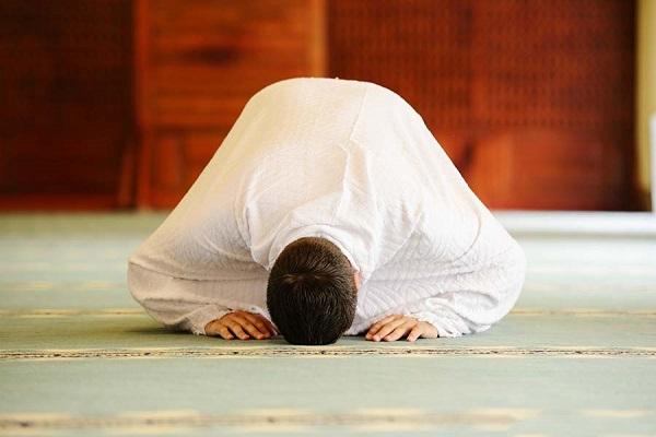 عبادت بدون ولایت علی علیه السلام